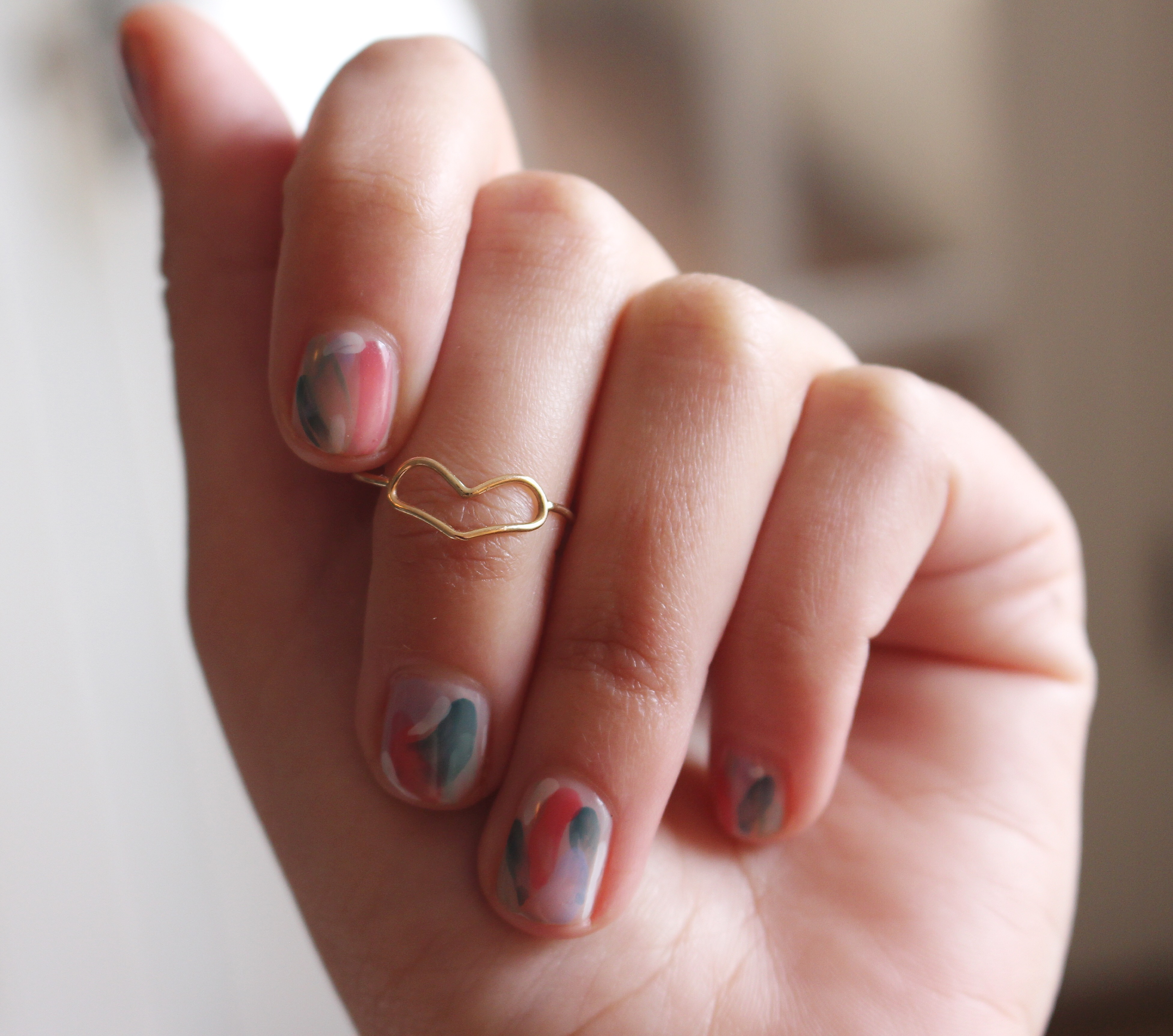 DIY Brush Stroke Abstract Manicure