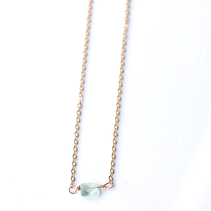 handmade-gemstone-necklace-aquamarine-simple-jewelry