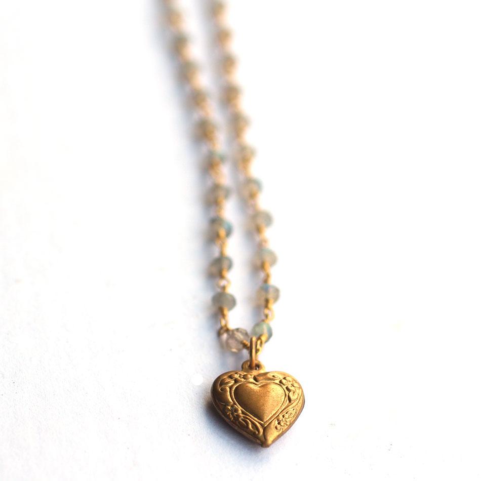 heart-labradorite-beaded-chain-necklace