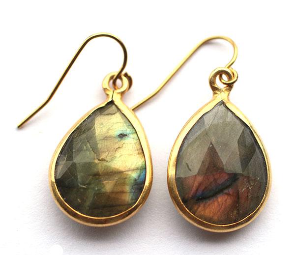 labradorite-bezel-handmade-earrings-gold-jewelry