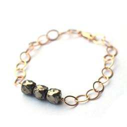 pyrite-cube-gemstone-bracelet-dainty